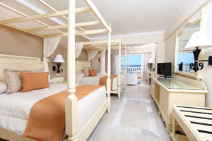 Junior Suite Superior Oceanfront - Grand Bahia Principe Jamaica